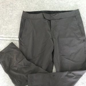 Lululemon Mens Gray Athletic Pants Capris Nylon 36